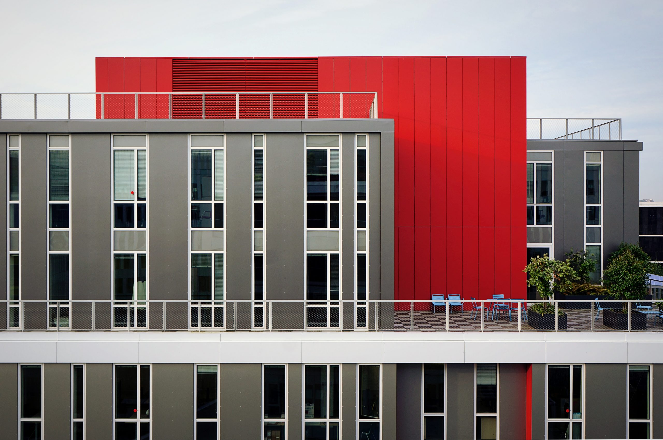 wallpaper Aerial photography of red and gray building