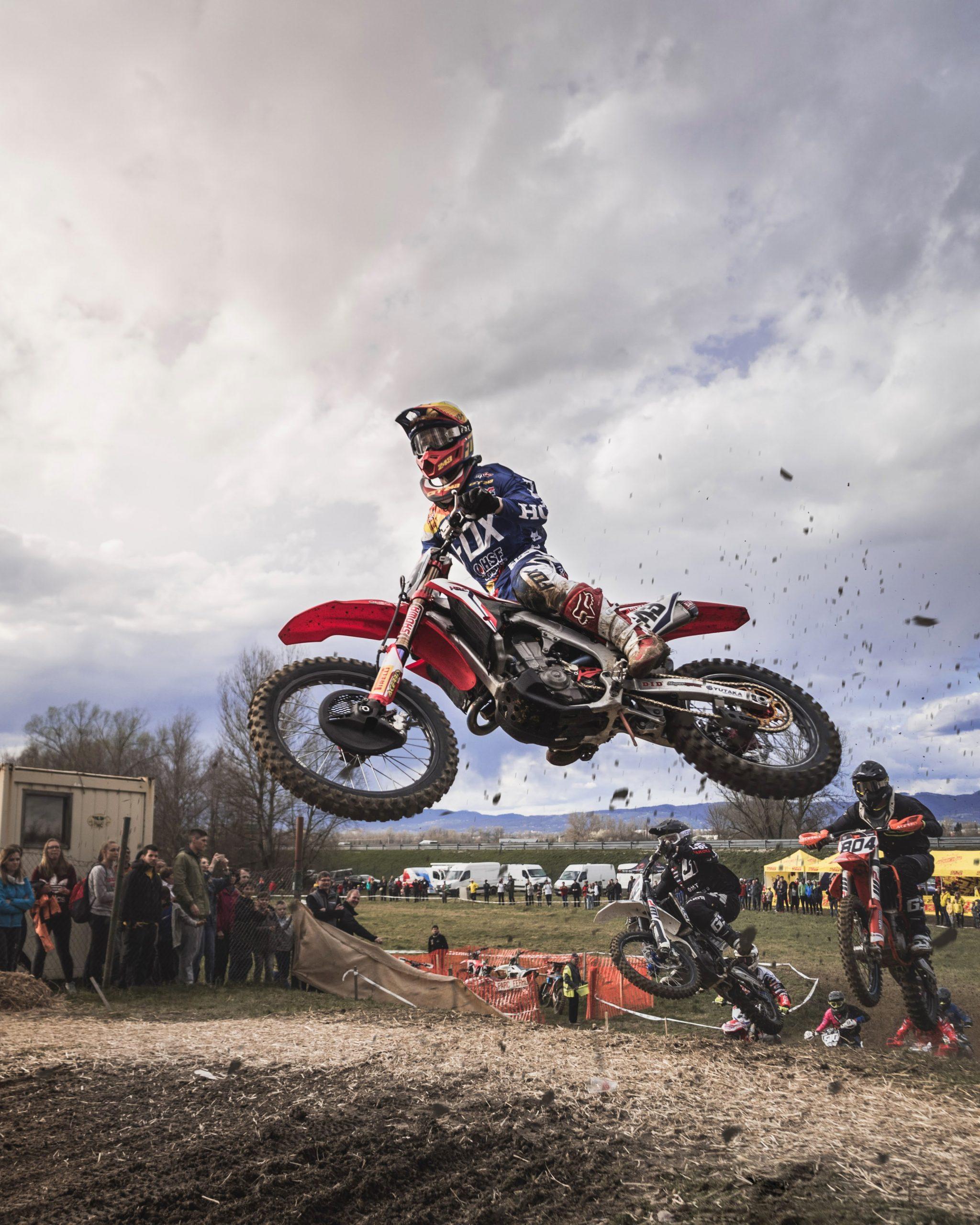 wallpaper Man riding red motocross dirt bike