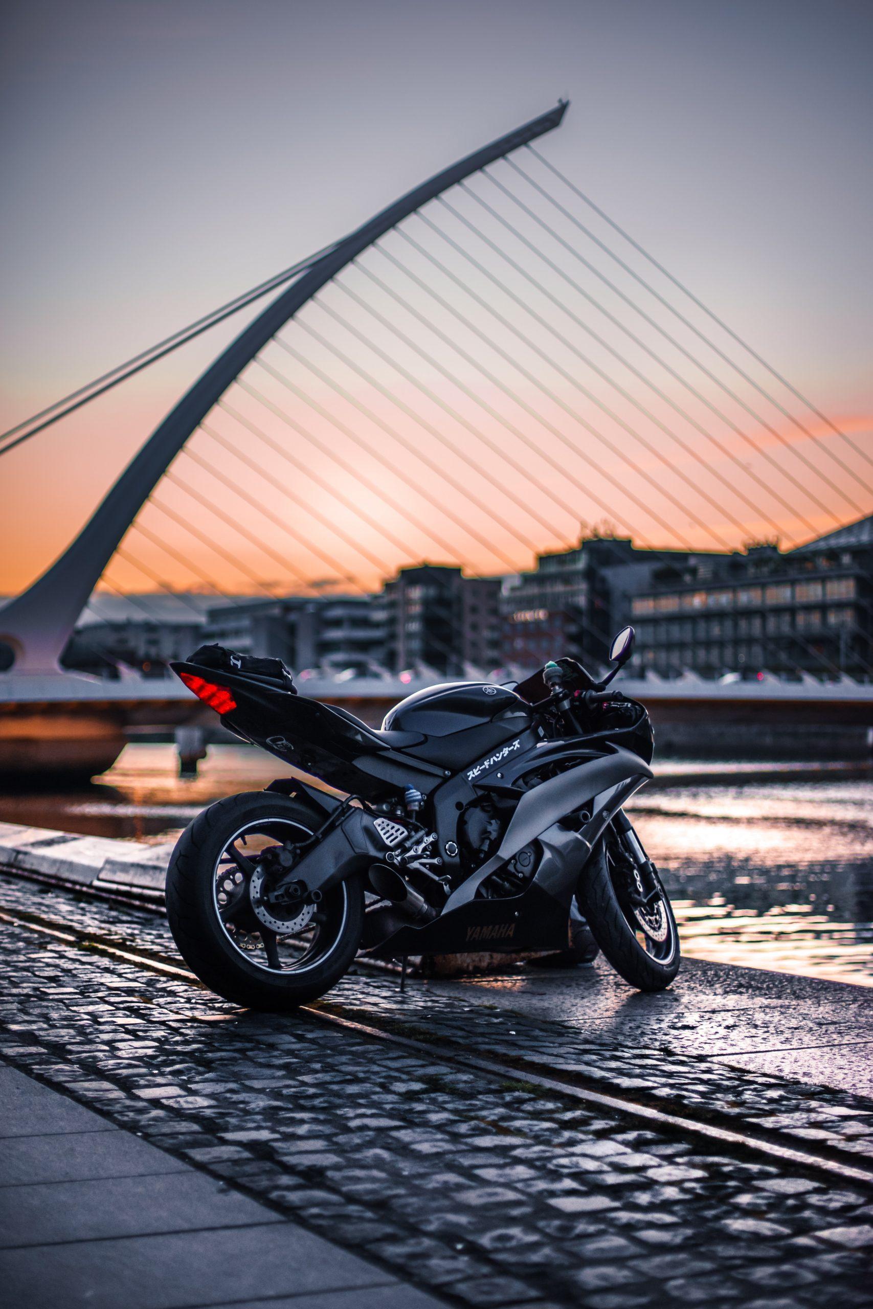 wallpaper Black sports bike at daytime