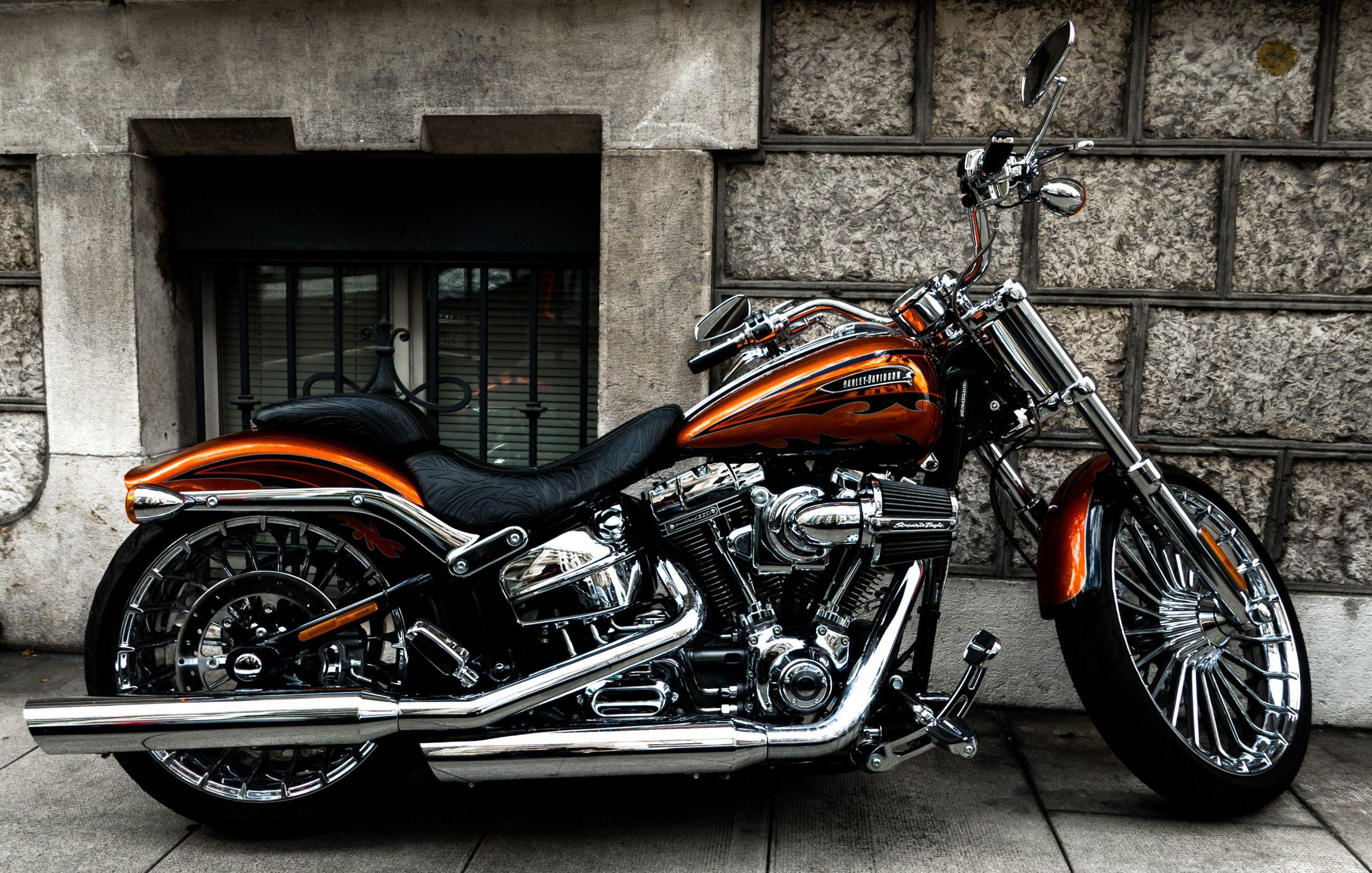 wallpaper Brown and black cruiser motorcycle
