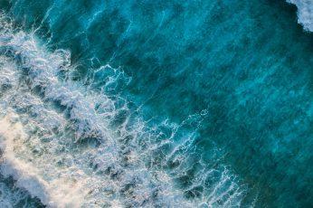 Ocean wave Gehmiskih Higun, Fuvahmulah, Maldives