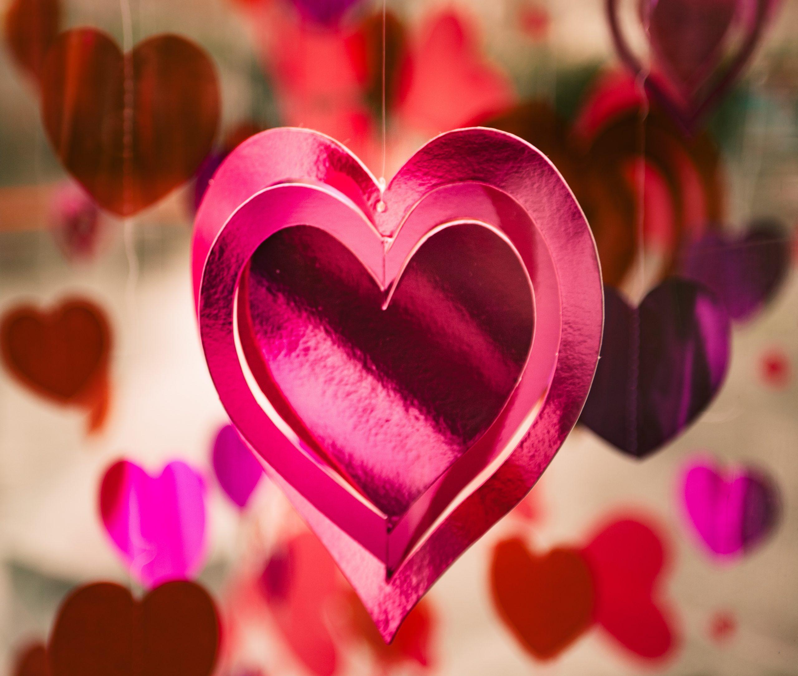 wallpaper Pink heart hanging ornament