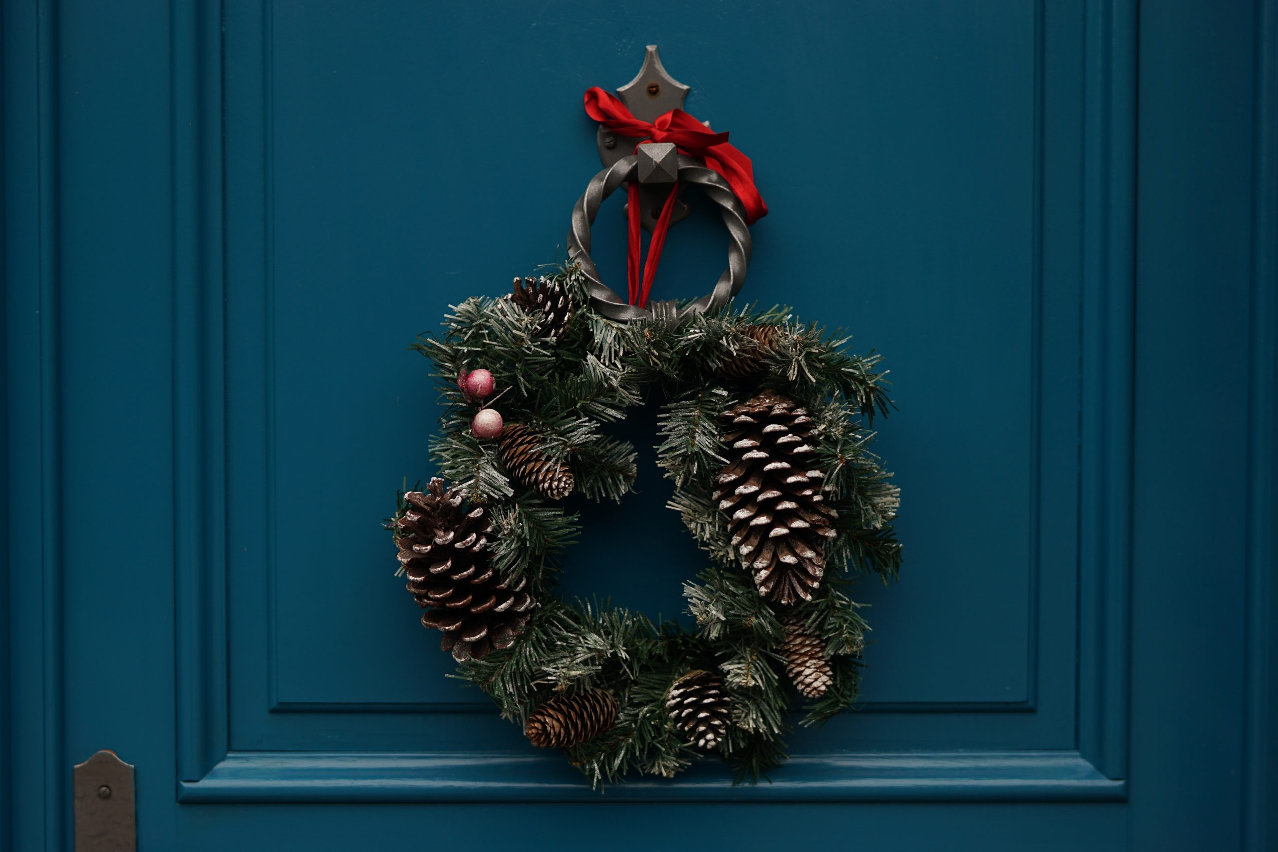 wallpaper Green and brown christmas wreath