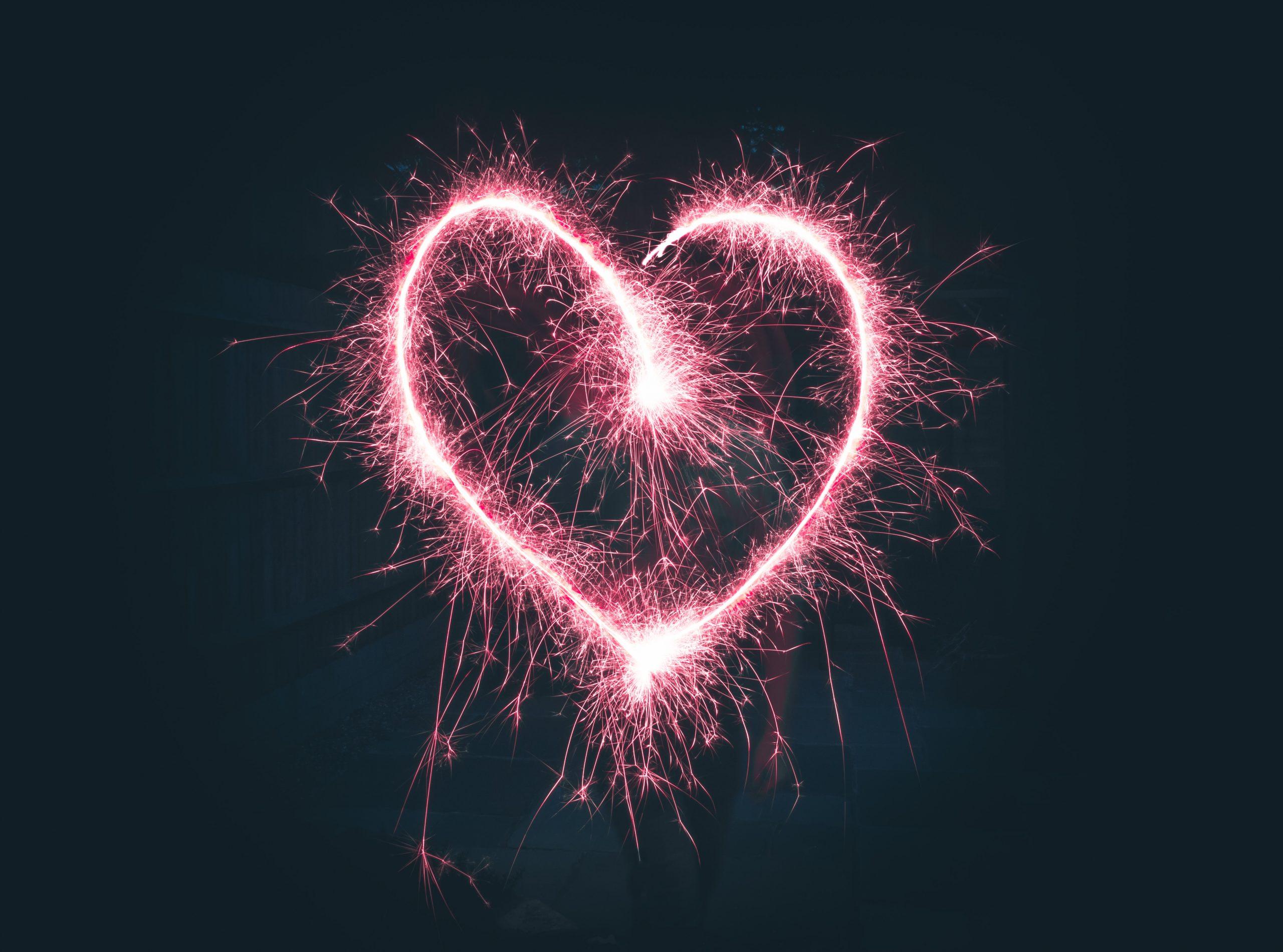 wallpaper Heart shaped pink sparklers