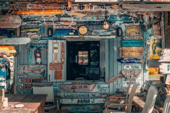 Vintage shop wallpaper