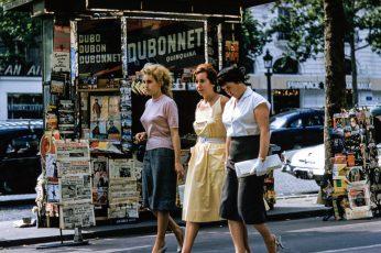 Three retro women