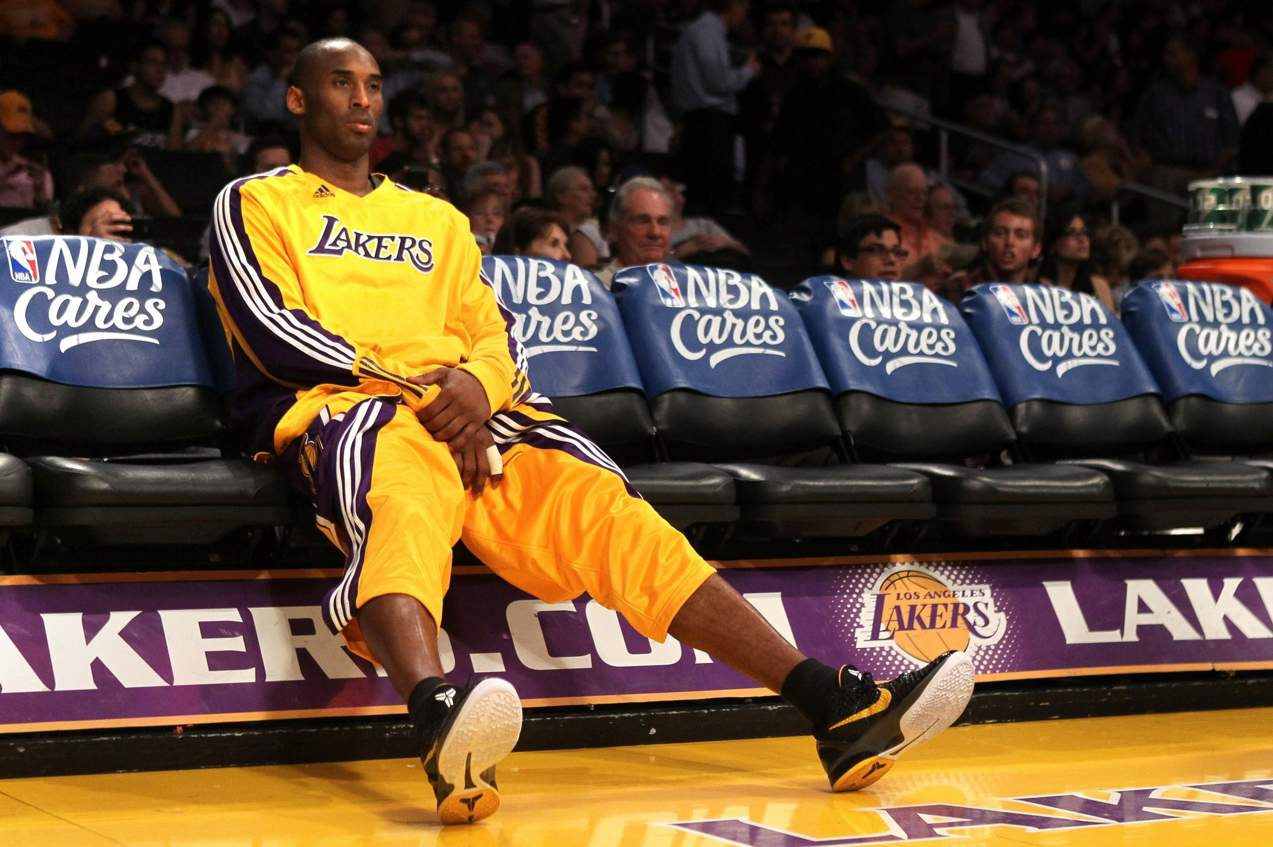 Kobe Bryant Wallpaper Nba Basketball Los Angeles Lakers Sport Competition Wallpaper For You The Best Wallpaper For Desktop Mobile Sports Wallpaper