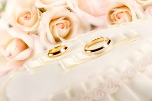 Wallpaper two gold-colored wedding rings, glitter, fabric, flower, rose