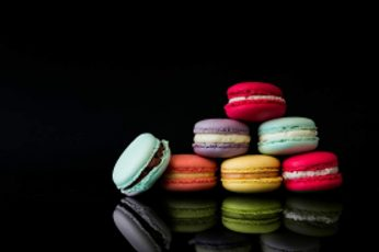 Colorful, food, sweets, dessert, Macarons, macaroon, black wallpaper