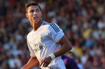 Cristiano Ronaldo wallpaper, men's white and black Fly Pirates soccer jersey