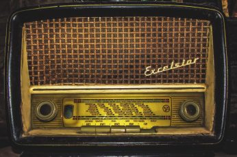 An old retro vintage radio wallpaper, technology, music, retro Styled, old-fashioned