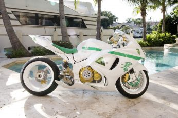 White and green sports bike wallpaper, motorcycle, Suzuki, Suzuki GSX1300R Hayabusa