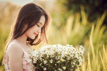 Photo of person holding white flowers wallpaper, asia, beauty, nice picture