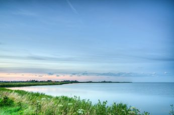 Green plant near body of water under blue sky during day time wallpaper, marken, dutch, marken, dutch