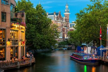 Amsterdam city wallpaper, Nederland, river, buildings, beige high rise building near lake