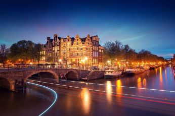 Amsterdam wallpaper, Nederland, city, night, houses, bridge, canal, river, lights, boats