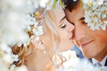 Wedding wallpaper couple love feelings flowers