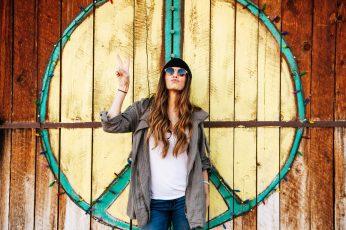 Wallpaper of a Hippie Woman, adult, art, beanie, blur, christmas lights