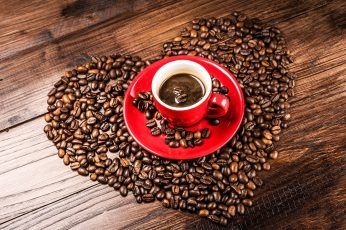 Coffee beans wallpaper, grains, heart shaped, red cup, red ceramic round plate, cup; coffee bean lot