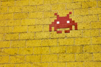 Wallpaper Mosaic Alien On Wall, Arcade, Background, Brick