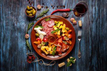 Wallpaper Food, Plates, Wooden Surface, Still Life