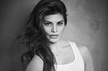 Wallpaper Jacqueline Fernandez Bw, Portrait, Beautiful Woman