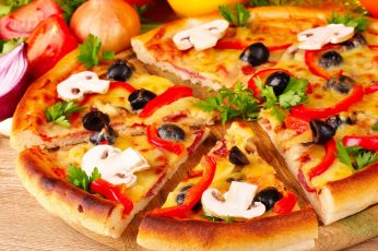 Wallpaper Sliced Pizza, Food, Tomatoes, Red Onion