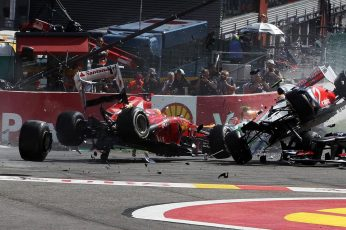 Wallpaper Formula One F1 Race Car Crash Accident Hd